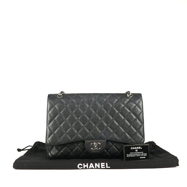 Chanel(샤넬) A58601 블랙 컬러 캐비어스킨 클래식 맥시 사이즈 은장 체인 숄더백 [강남본점]