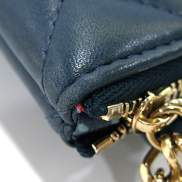 Chanel(샤넬) 블루 램스킨 하바나 참 장식 M사이즈 클러치백 [부산센텀본점] 이미지5 - 고이비토 중고명품