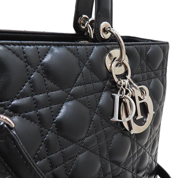 Dior(크리스챤디올) CAL44561 블랙 램스킨 Lady Dior 레이디 디올 까나쥬 라지 토트백 + 숄더스트랩 [인천점] 이미지4 - 고이비토 중고명품