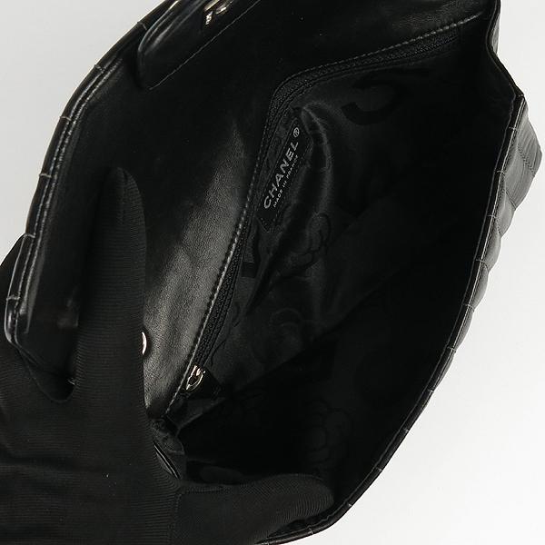 Chanel(샤넬) 블랙 램스킨 COCO로고 미니 플랩 체인 숄더백 [강남본점] 이미지5 - 고이비토 중고명품