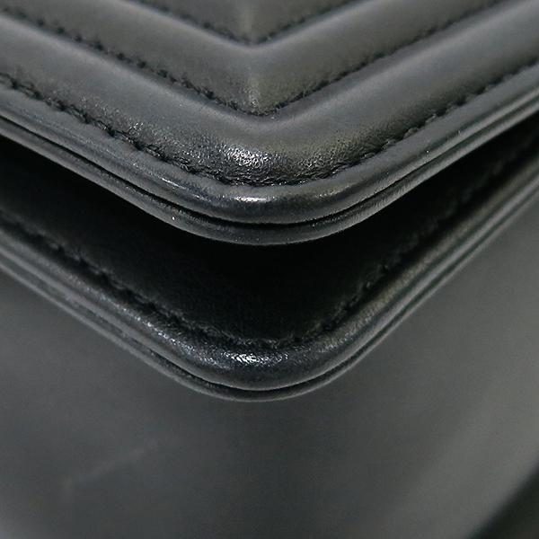 Chanel(샤넬) A67086 블랙 램스킨 쉐브론 보이샤넬 M사이즈 은장 메탈체인 숄더백 [부산센텀본점] 이미지7 - 고이비토 중고명품