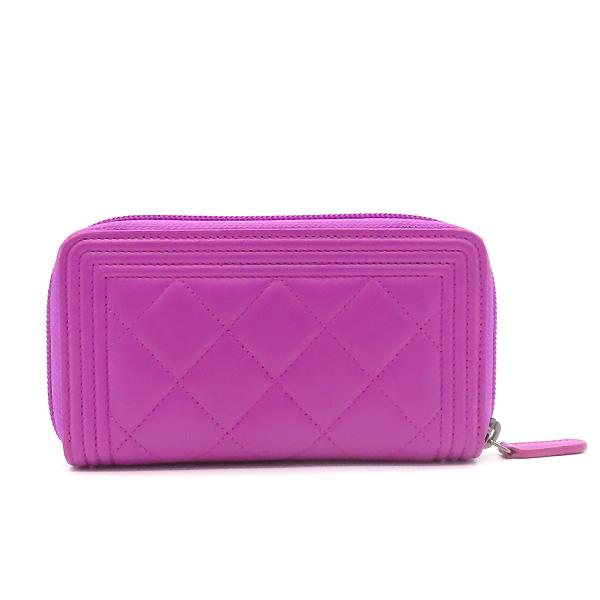 Chanel(샤넬) A80566 퍼플 컬러 램스킨 은장 보이 집업 중지갑 [잠실점] 이미지4 - 고이비토 중고명품