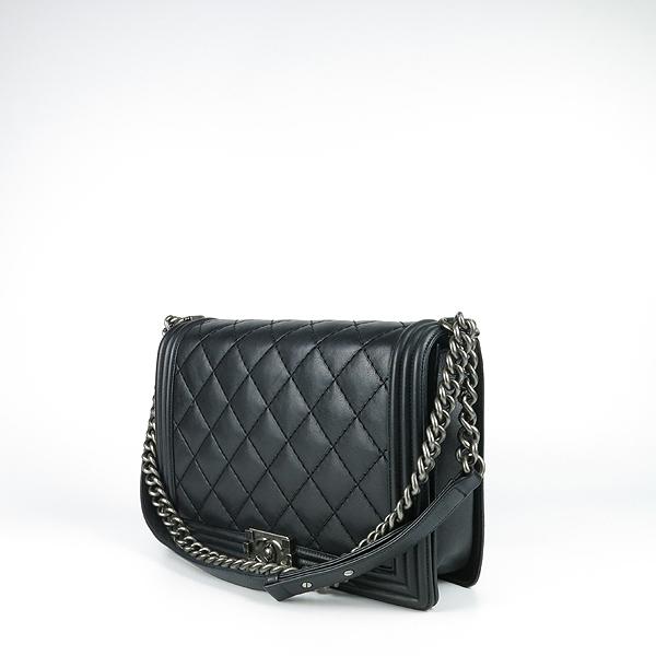 Chanel(샤넬) A67087 보이샤넬 L(라지) 퀼티드 보이 은장 체인 숄더백 [강남본점] 이미지2 - 고이비토 중고명품