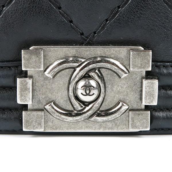 Chanel(샤넬) A67087 보이샤넬 L(라지) 퀼티드 보이 은장 체인 숄더백 [강남본점] 이미지3 - 고이비토 중고명품