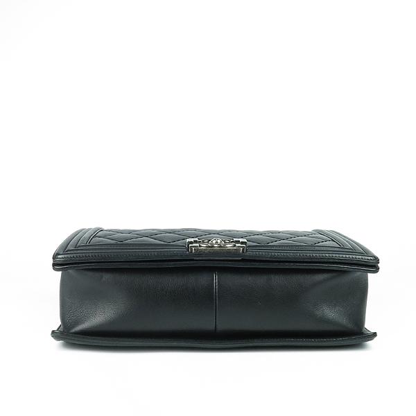 Chanel(샤넬) A67087 보이샤넬 L(라지) 퀼티드 보이 은장 체인 숄더백 [강남본점] 이미지4 - 고이비토 중고명품