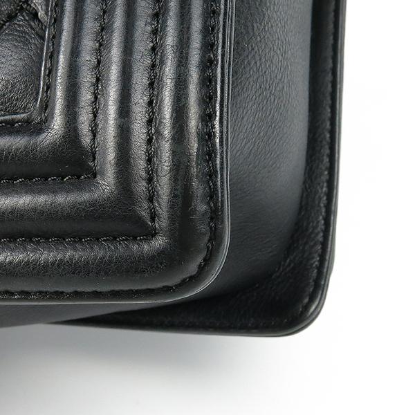 Chanel(샤넬) A67087 보이샤넬 L(라지) 퀼티드 보이 은장 체인 숄더백 [강남본점] 이미지5 - 고이비토 중고명품