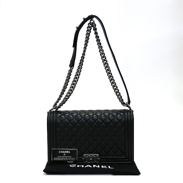 Chanel(샤넬) A92193 Y04638 94305 램스킨 블랙 컬러 BOY CHANEL 보이샤넬 L사이즈 라지 루테늄 메탈 로고 체인 플랩 숄더백 [부산센텀본점]