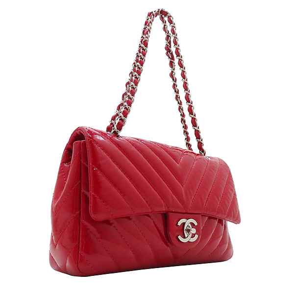 Chanel(샤넬) 레드 페이던트 쉐브론 클래식 M사이즈 원플랩 은장 체인 숄더백 [인천점] 이미지2 - 고이비토 중고명품