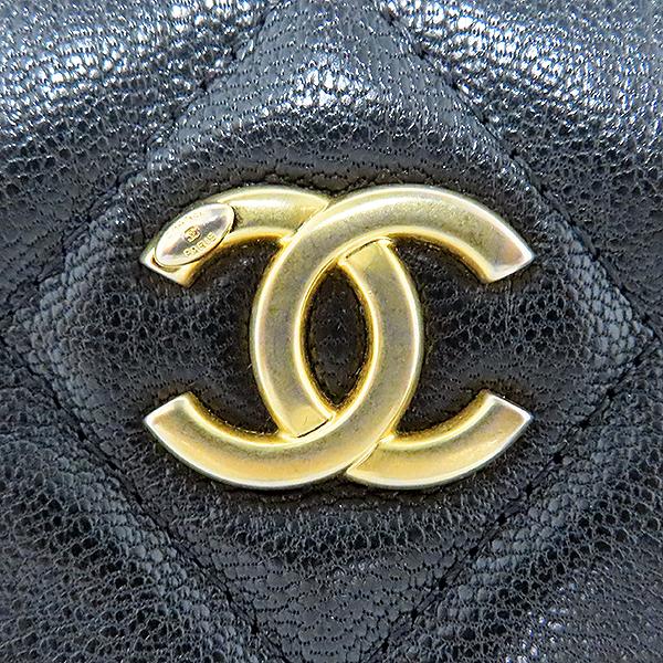 Chanel(샤넬) AP1116 블랙 컬러 램스킨 시즌 컬렉션 블랙 라벨 뷰티 CC 골드메탈 집업 백 포켓 클러치 [대전본점] 이미지7 - 고이비토 중고명품