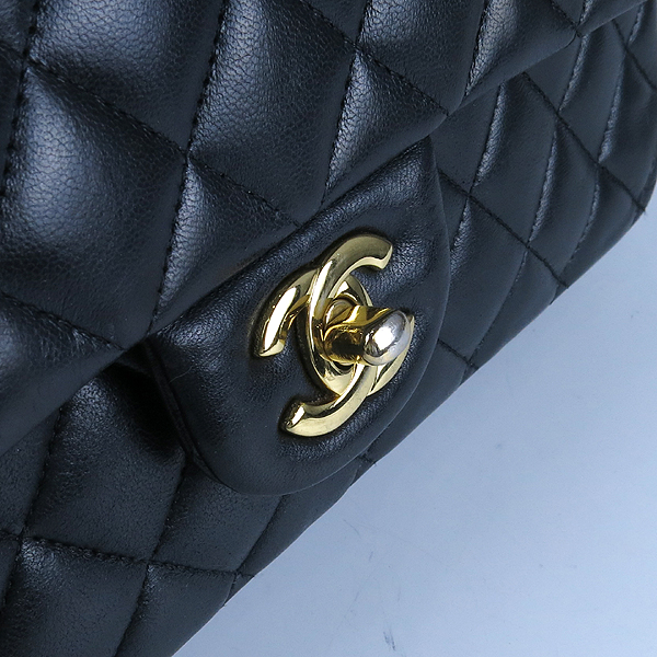 Chanel(샤넬) 금장 COCO 로고 블랙 컬러 램스킨 클래식 M 미듐 사이즈 체인 숄더백 [강남본점] 이미지5 - 고이비토 중고명품